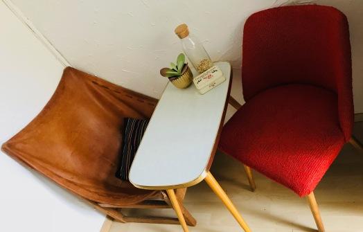 Küchensitzecke mit Cocktailsessel / Ledersessel / vintage